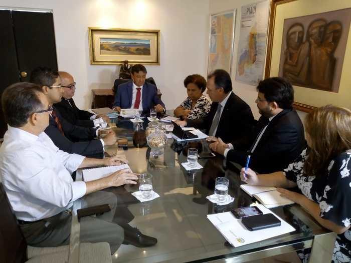 Wellington Dias reúne secretariado para tratar de corte em despesas