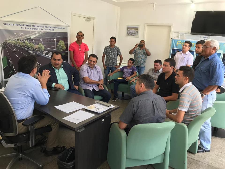 Vice-prefeito e vereadores se reúnem com secretário de transporte para debater melhorias no transporte de José de Freitas