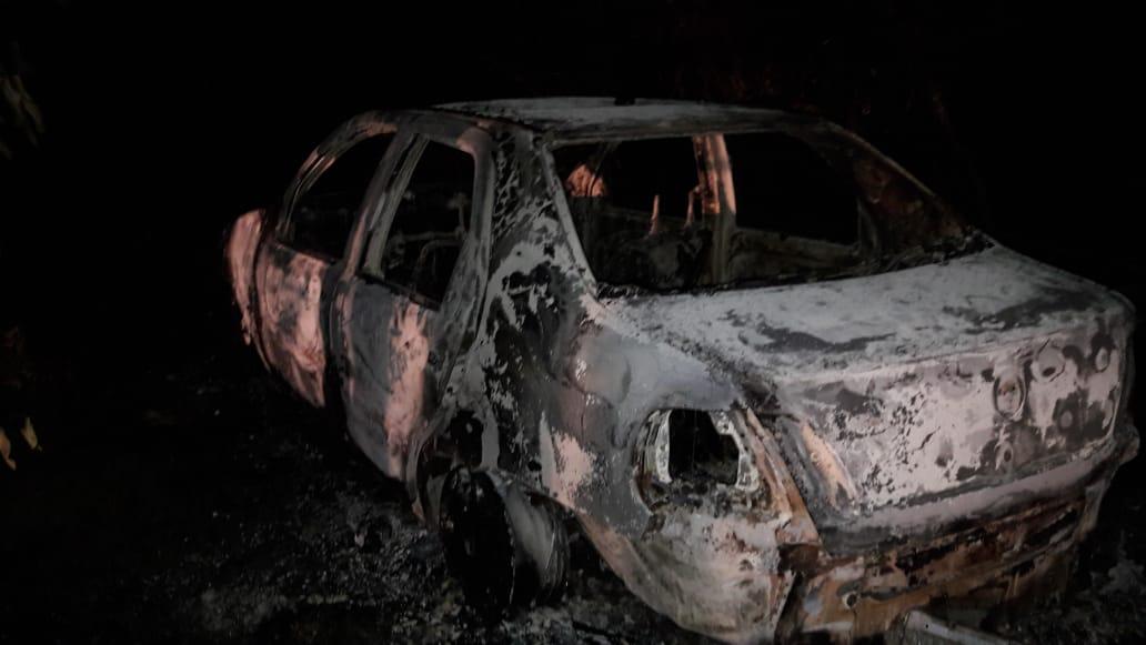 Corpo encontrado carbonizado dentro de porta-malas de veículo em José de Freitas seria de jovem de 24 anos