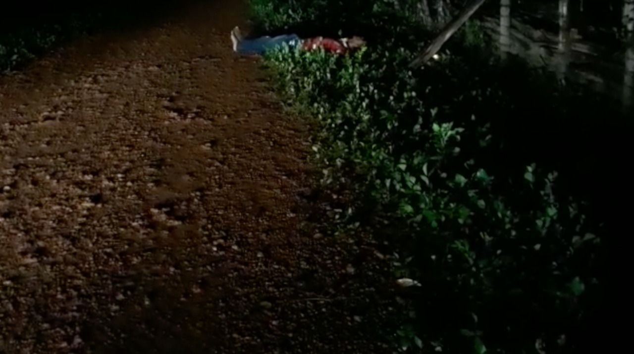 Homem é encontrado morto com marcas de tiros em Altos