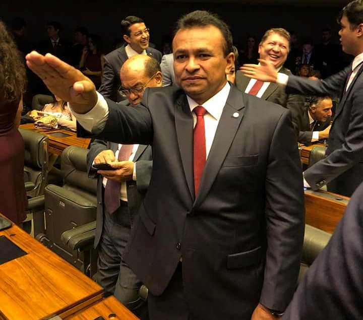 Fábio Abreu toma posse para 2º mandato de deputado federal em Brasília