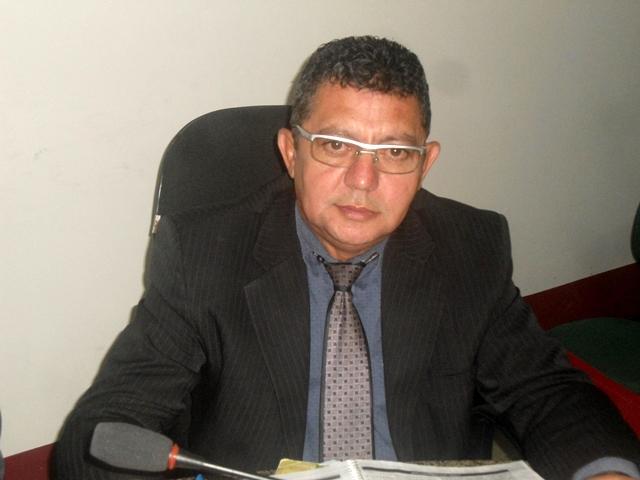 Vereador Alfredo Holanda faz indicação para obra de calçamento em Ruas do Bairro São Pedro