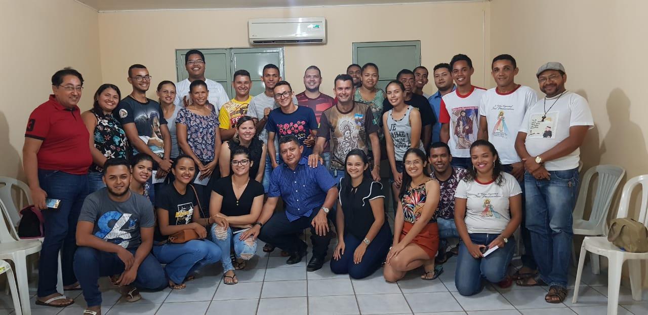 Vereadores Alfredo Holanda e Pampa se reúnem com representante de grupos de Retiros de José Freitas