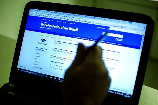 Receita recebe quase 1 milhão de declarações do IR em dois dias