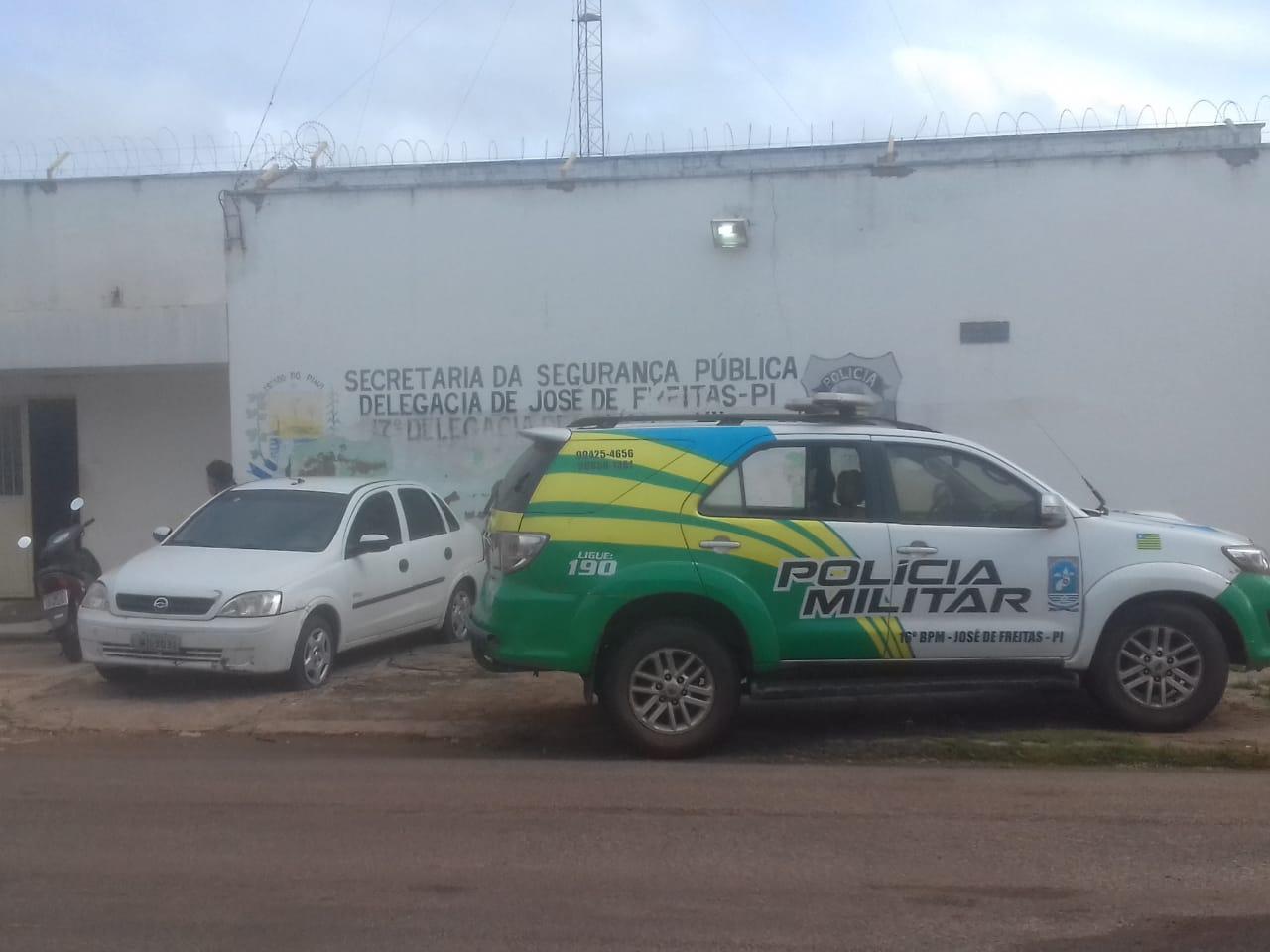 Dupla que assaltou casa de oficial da PM é presa em José de Freitas
