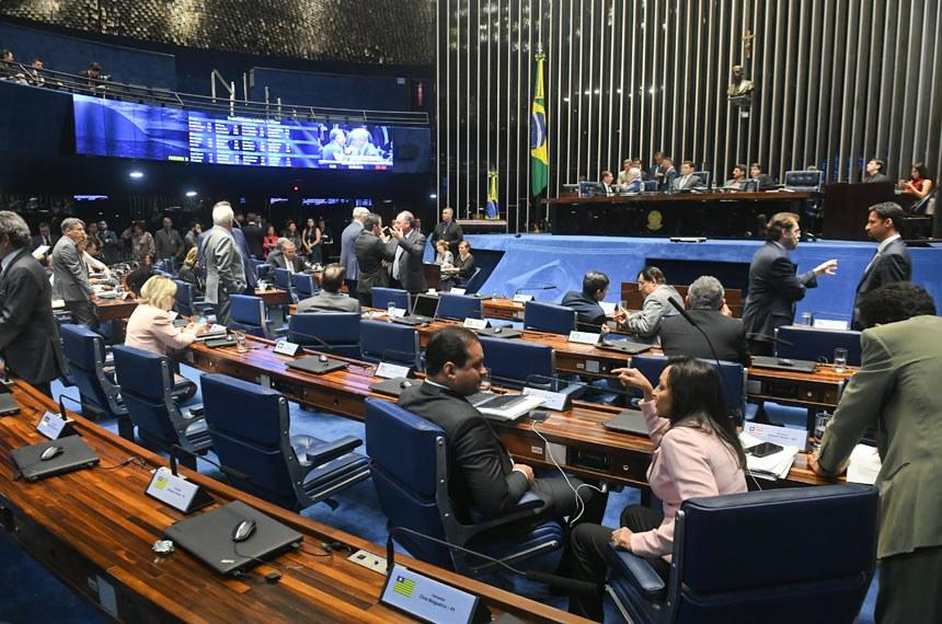 Senado aprova proposta que facilita cancelamento de assinatura de TV a cabo