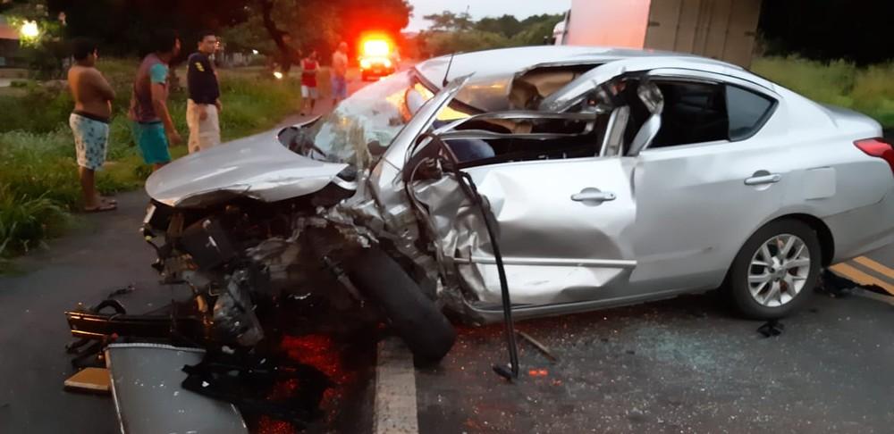 Filho do comandante da polícia de José de Freitas fica gravemente ferido em acidente com carreta