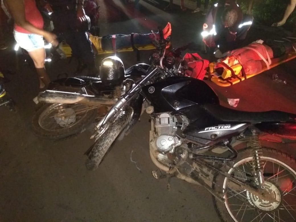 Mototaxista e duas pessoas ficam feridas após grave acidente em José de Freitas