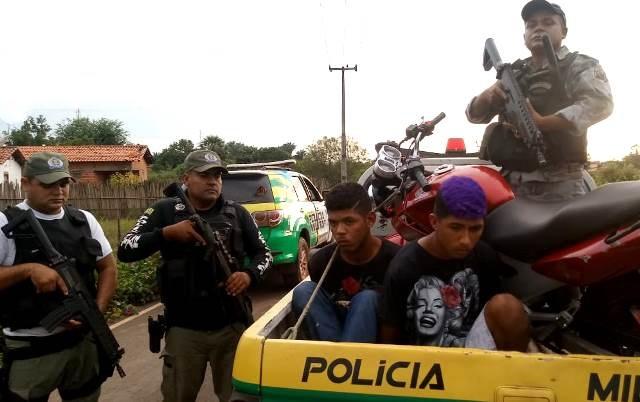 Seis pessoas são presas pela Polícia Militar de José de Freitas acusadas de praticar assalto em Lagoa Alegre