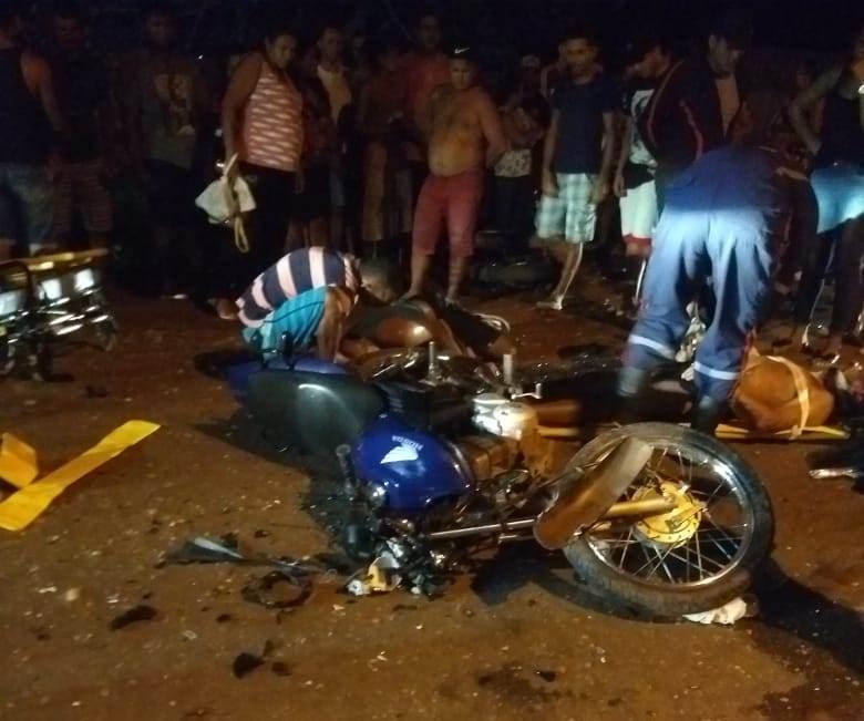 Duas pessoas ficam gravemente feridas após acidente em José de Freitas