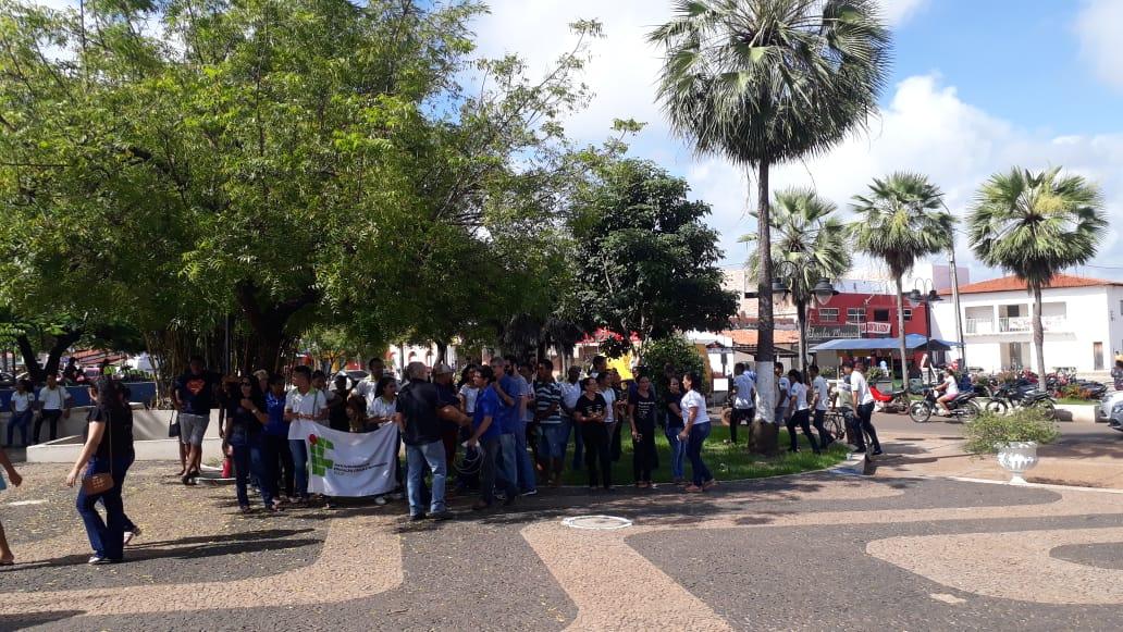 Várias entidades e professores de José de Freitas realizam Ato contra bloqueio de verbas da educação e reforma da Previdência