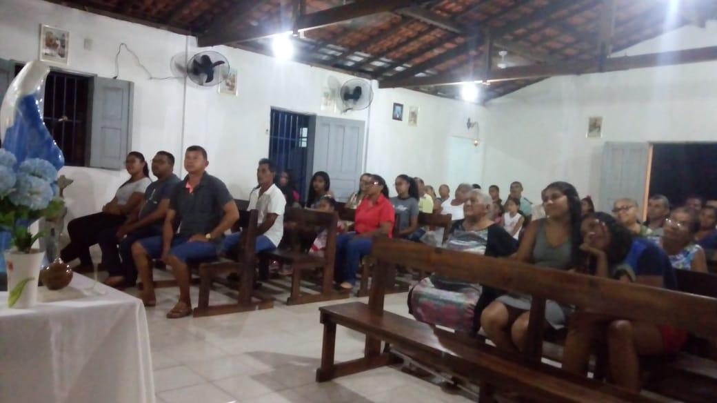 Dezenas de Fiéis participam do encerramento dos Encontros Mariano no Bairro São Pedro
