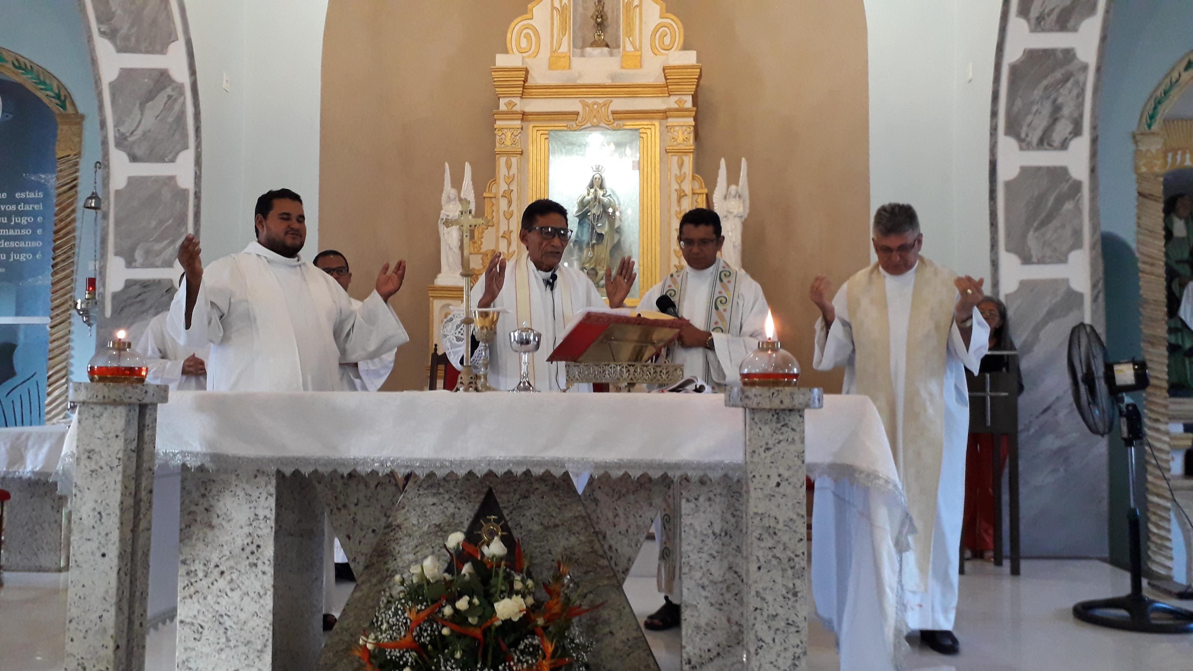 Padre Antônio Primo Celebra a Vida na Comemoração de seu Natalício