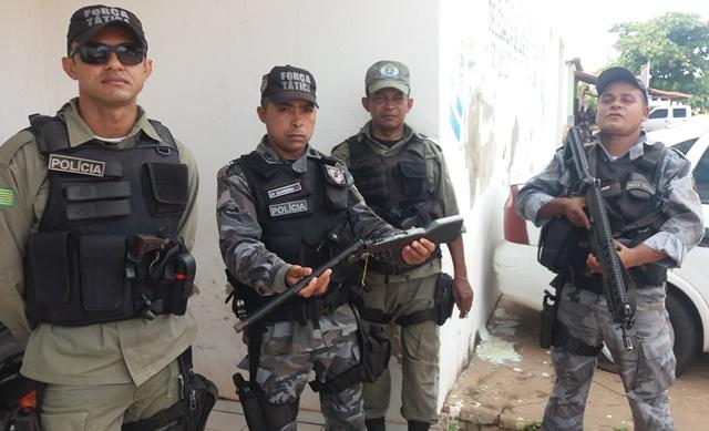 Jovem é preso pela Polícia Militar com arma de fogo em José de Freitas
