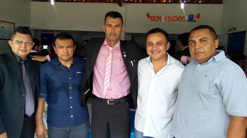 Em sessão itinerante vereadores Alfredo Holanda e Pampa solicitam melhorias para comunidade Carvalho e região