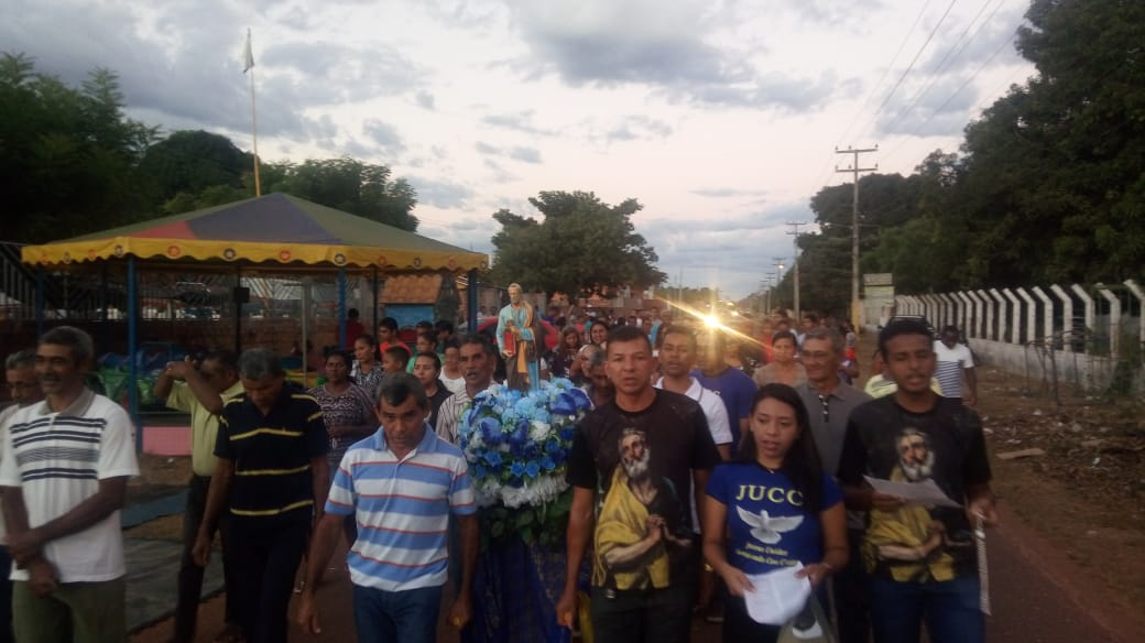 Muita fé e devoção marcaram o encerramento dos festejos do Bairro São Pedro em José de Freitas