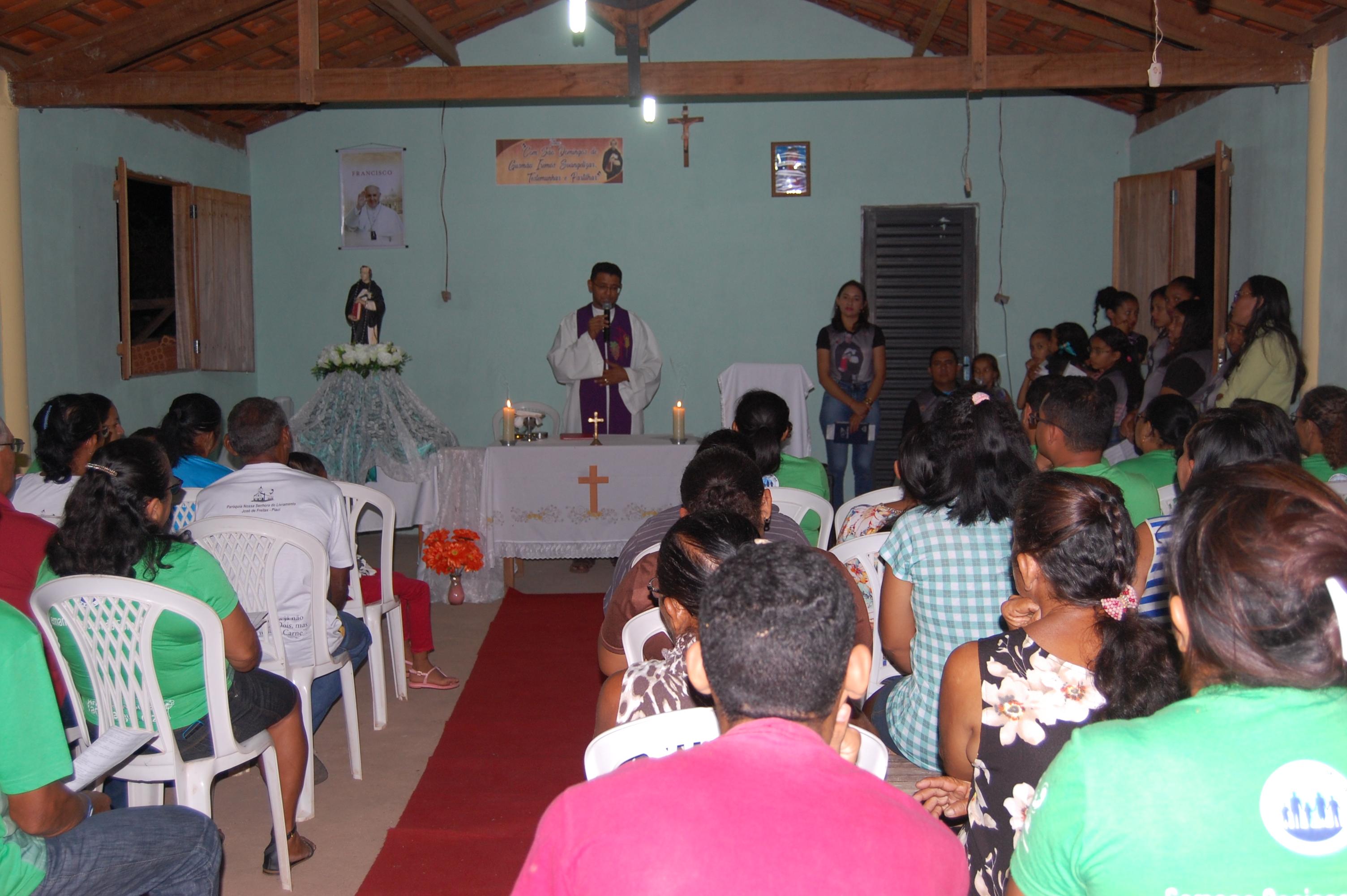 Fiéis participam dos festejos de São Domingos Gusmão na Comunidade Dois Riacho em José de Freitas