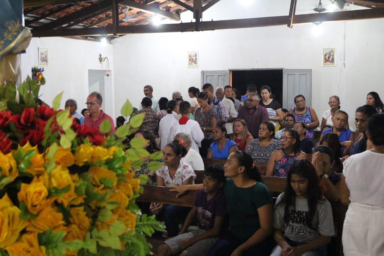 Fiéis participam de Pré-Novena de Nossa Senhora do Livramento no Bairro São Pedro em José de Freitas