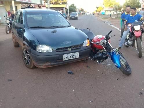 Moto e carro se envolvem em grave acidente na Avenida Gov. Petrônio Portela em José de Freitas