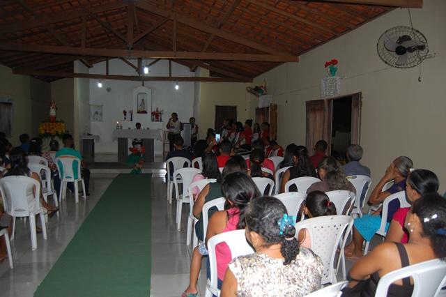 Comunidade Malhada Cumprida realiza mais uma noite de novena dos festejos de São Raimundo Nonato em José de Freitas
