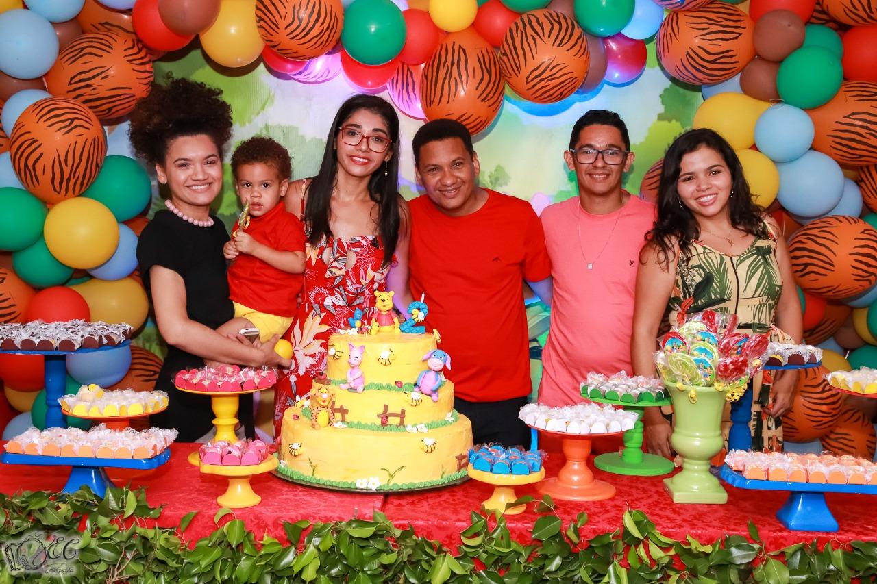 Radialista Alexandre Gomes comemora aniversário de 2 anos de seu filho com a Família e Amigos