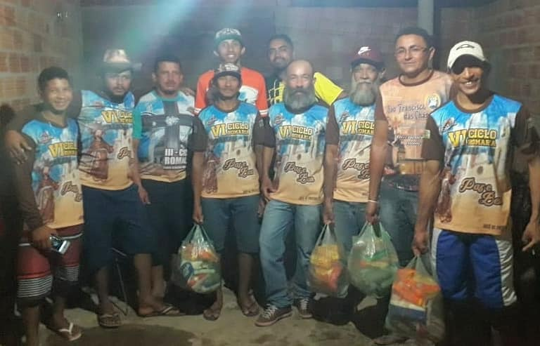 Associação Atlética Os Donos da Bolaentrega cestas básicas para Grupo Ciclo Romaria em José de Freitas