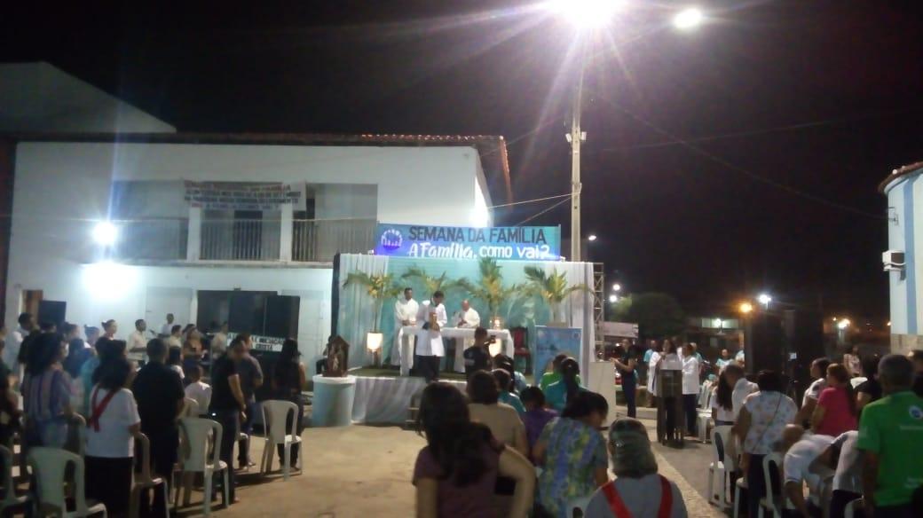 Paróquia de Nossa Senhora realizou abertura da Semana da Família e segue até o dia 08 de setembro