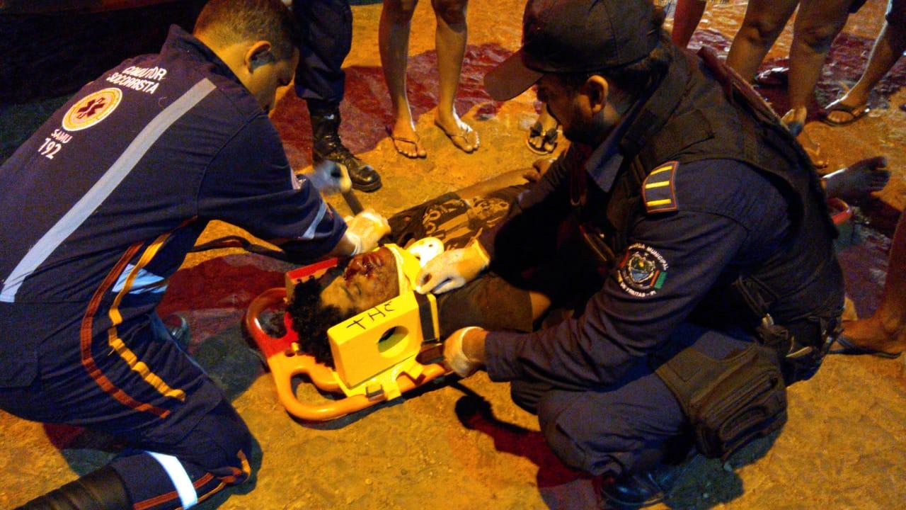 Homem sofre acidente após perder controle de motocicleta em José de Freitas