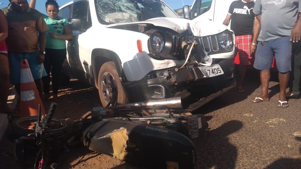 Mulher morre em grave acidente entre carro e moto em José de Freitas