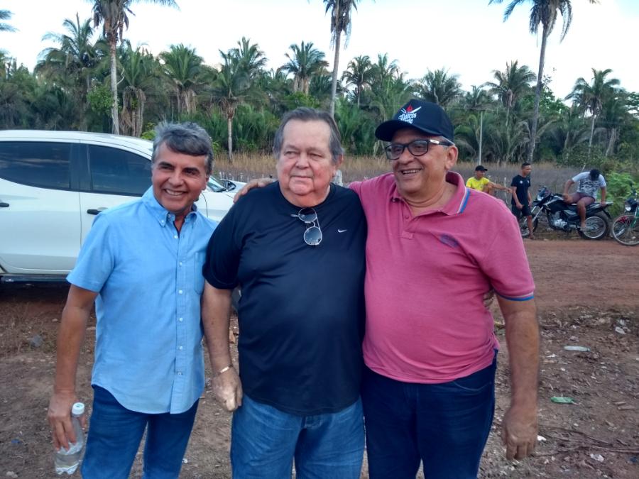 Dr. Robert Freitas participa de evento em Monsenhor Gil com presenças de várias lideranças politicas