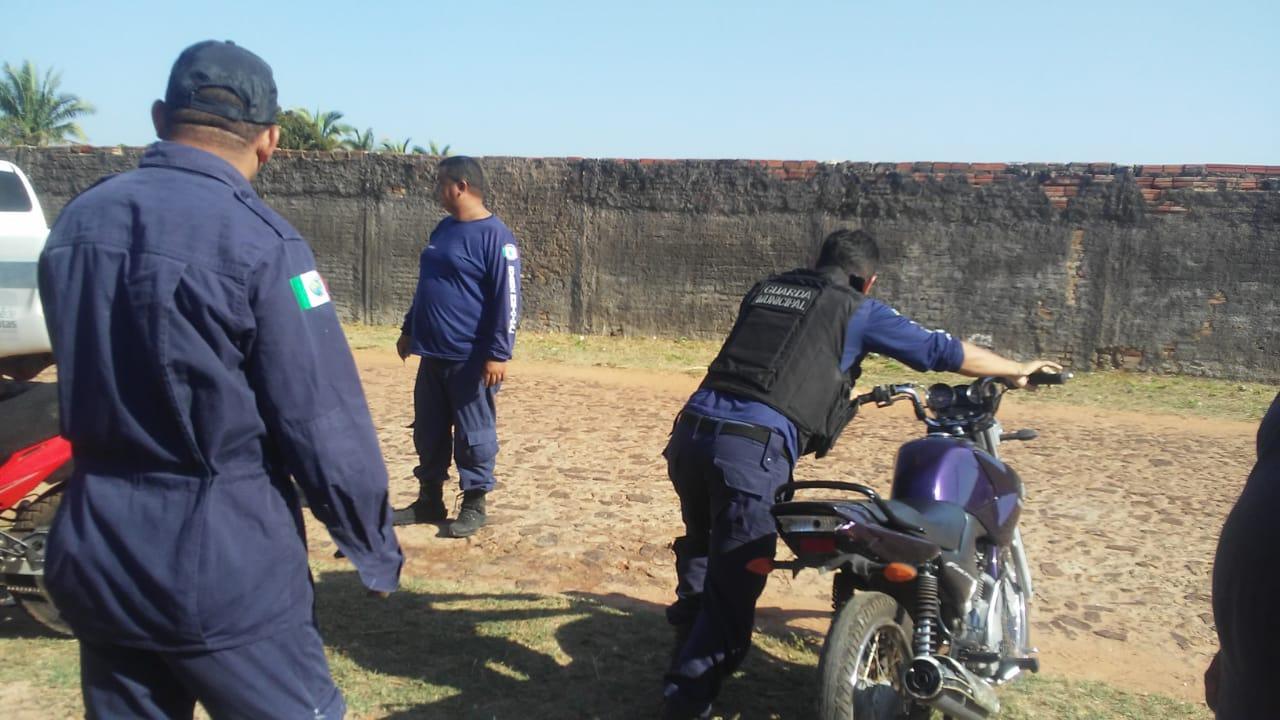 Motocicleta roubada é localizada pela Guarda Municipal dentro do Cemitério em José de Freitas