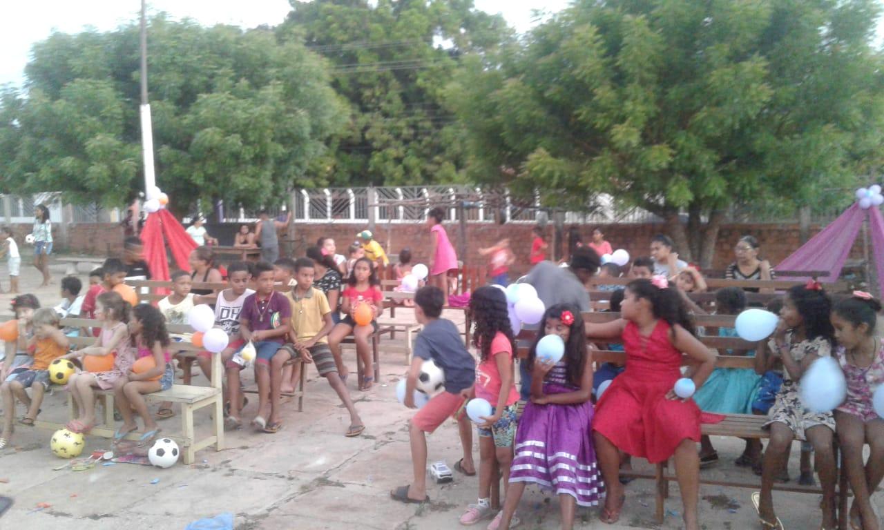 Associação de desenvolvimento comunitário do Bairro São Pedro promoveu festa das crianças em José de Freitas