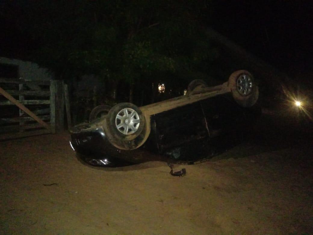 Policial Civil perde controle do carro e capota na PI-113 em José de Freitas