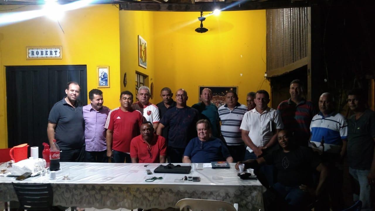 Robert Freitas se reúne com lideranças políticas e pré-candidatos a vereadores do MDB de José de Freitas