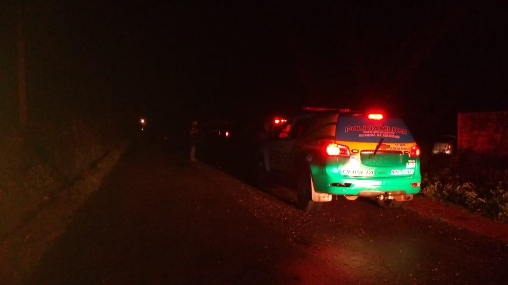 Polícia Militar persegue suspeitos e veículo é abandonado em José de Freitas