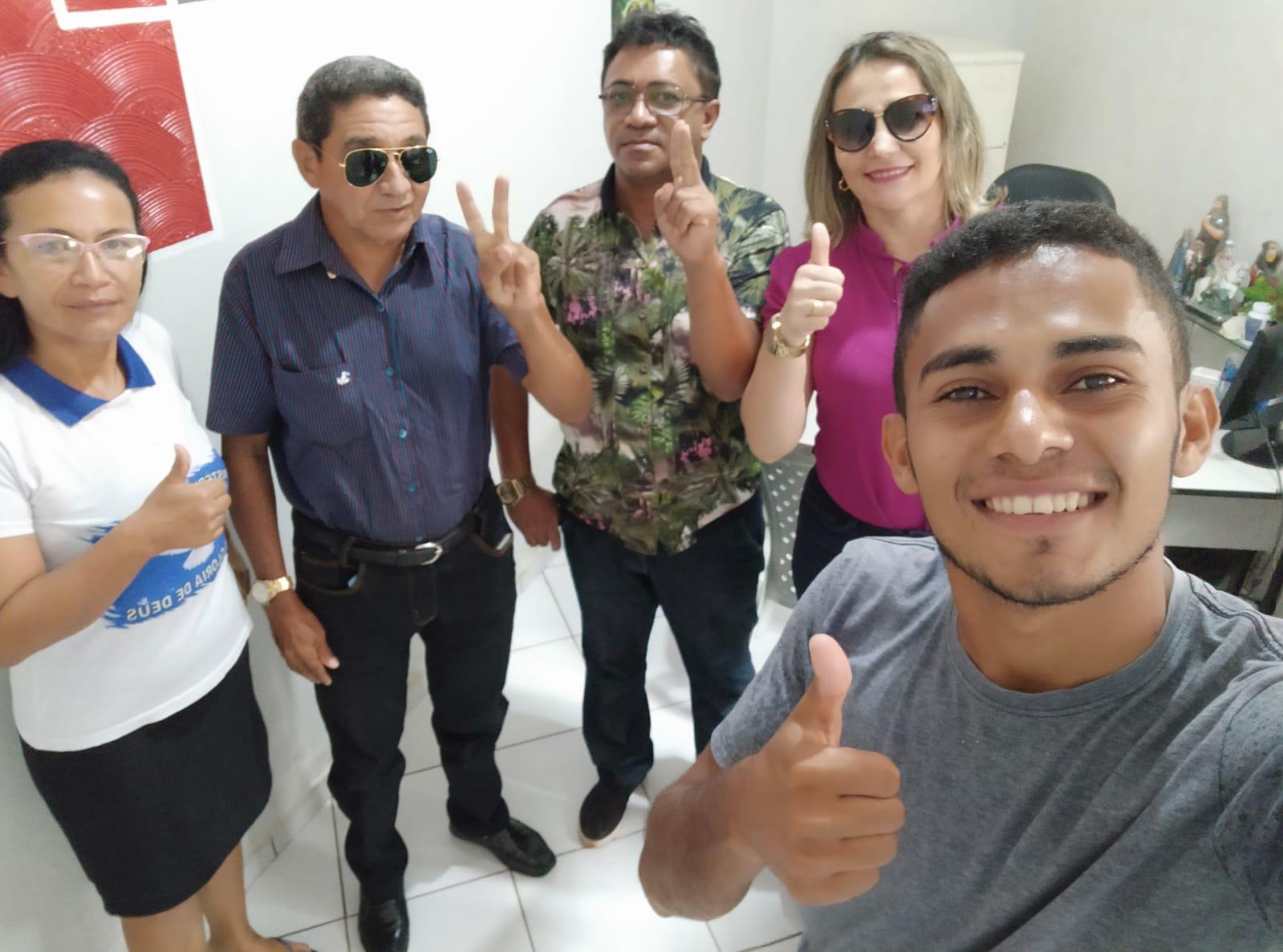 Pré-candidato a vereador Abraão Araújo recebe adesões em José de Freitas